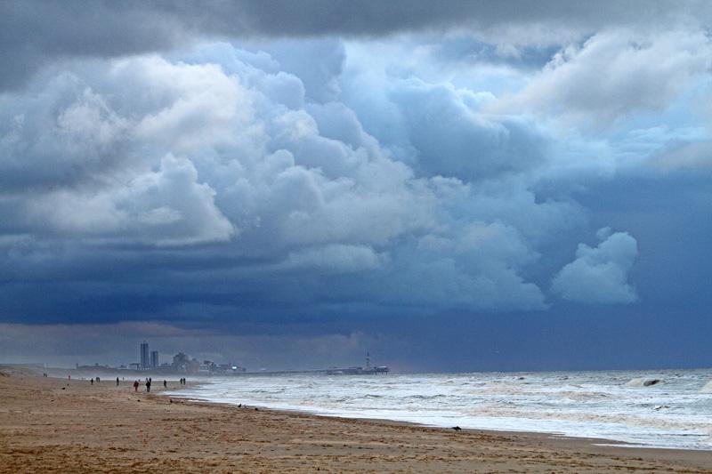 Berkheide strand wolken Scheveningen