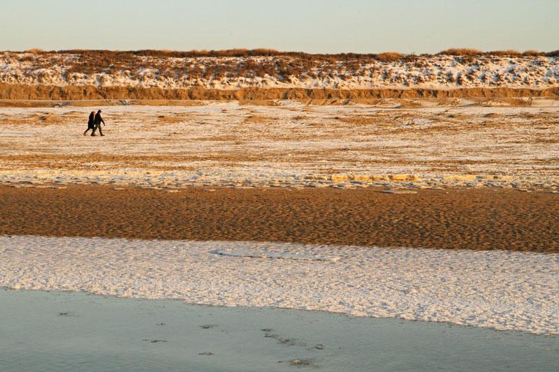 Berkheide strand winter sneeuw