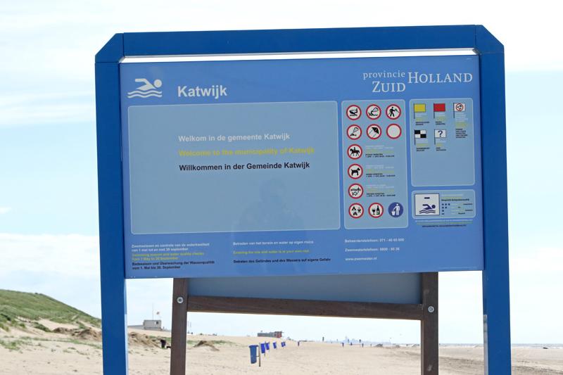 Coepelduynen strand gemeentegrens Katwijk Noordwijk bord